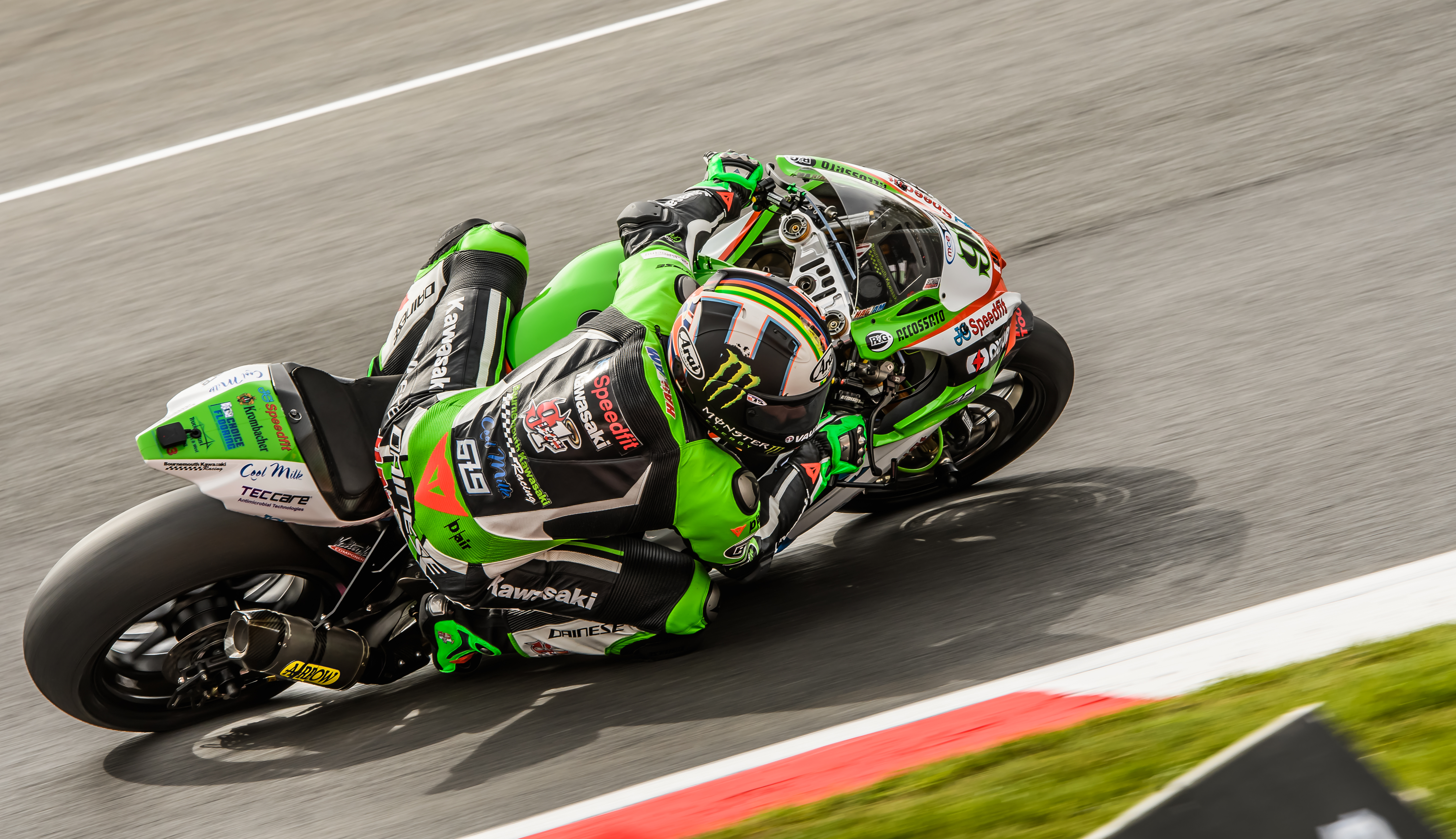 Haslam Takes Victory in Hectic BSB Race One – ThePitcrewOnline