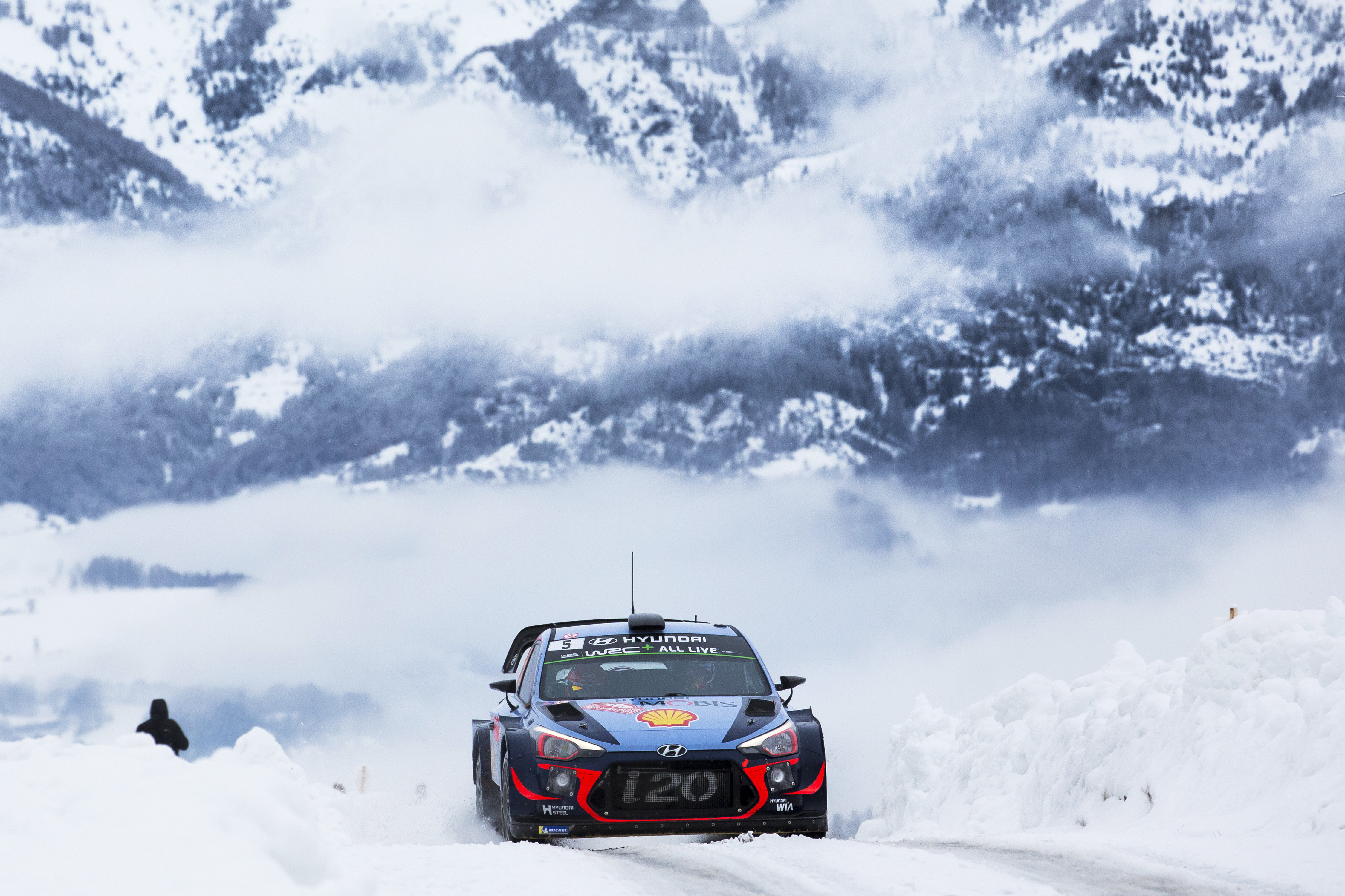 rallye monte carlo day three seb steers clear of trouble thepitcrewonline. Black Bedroom Furniture Sets. Home Design Ideas